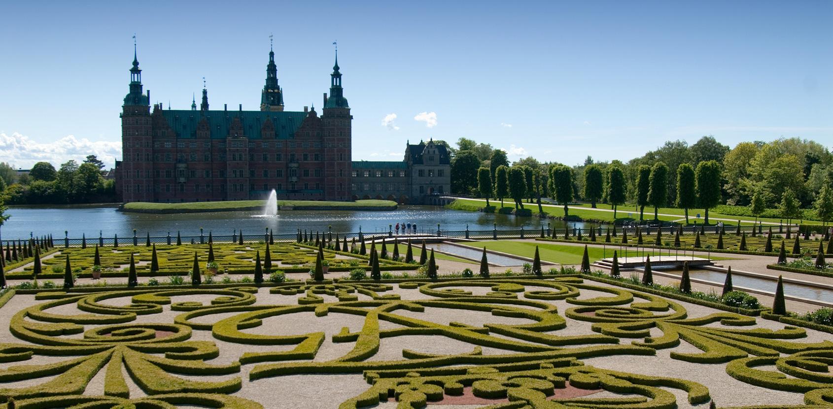 Frederiksborg Castle photo: SLKE