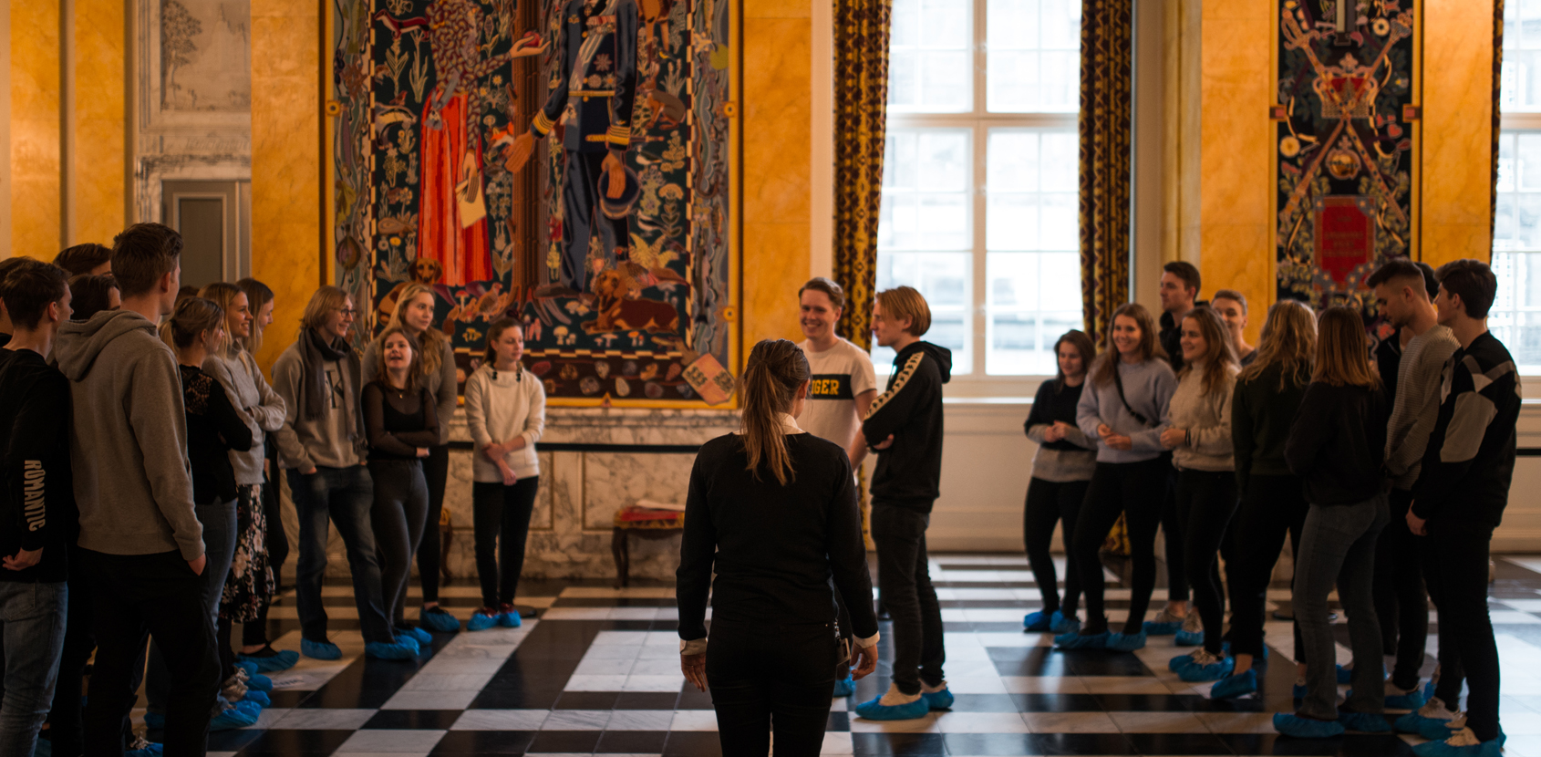 Undervisning i Riddersalen_Christiansborg Slot_Silas Staal.jpg