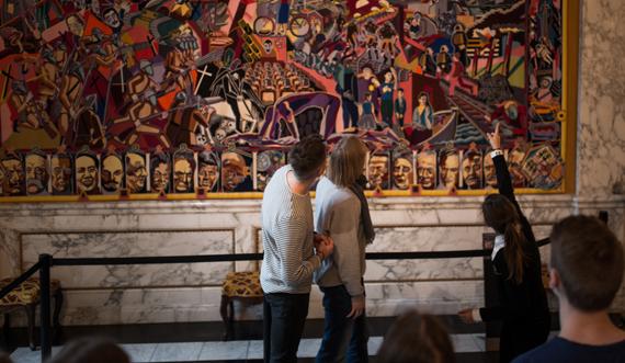 Undervisning v gobelin_Christiansborg Slot_Foto Silas Staal 570.jpg