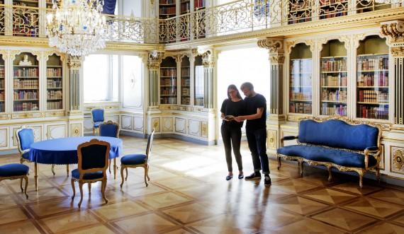 Dronningens Håndbibliotek Christiansborg Slot mand og kvinde foto Thorkild Jensen