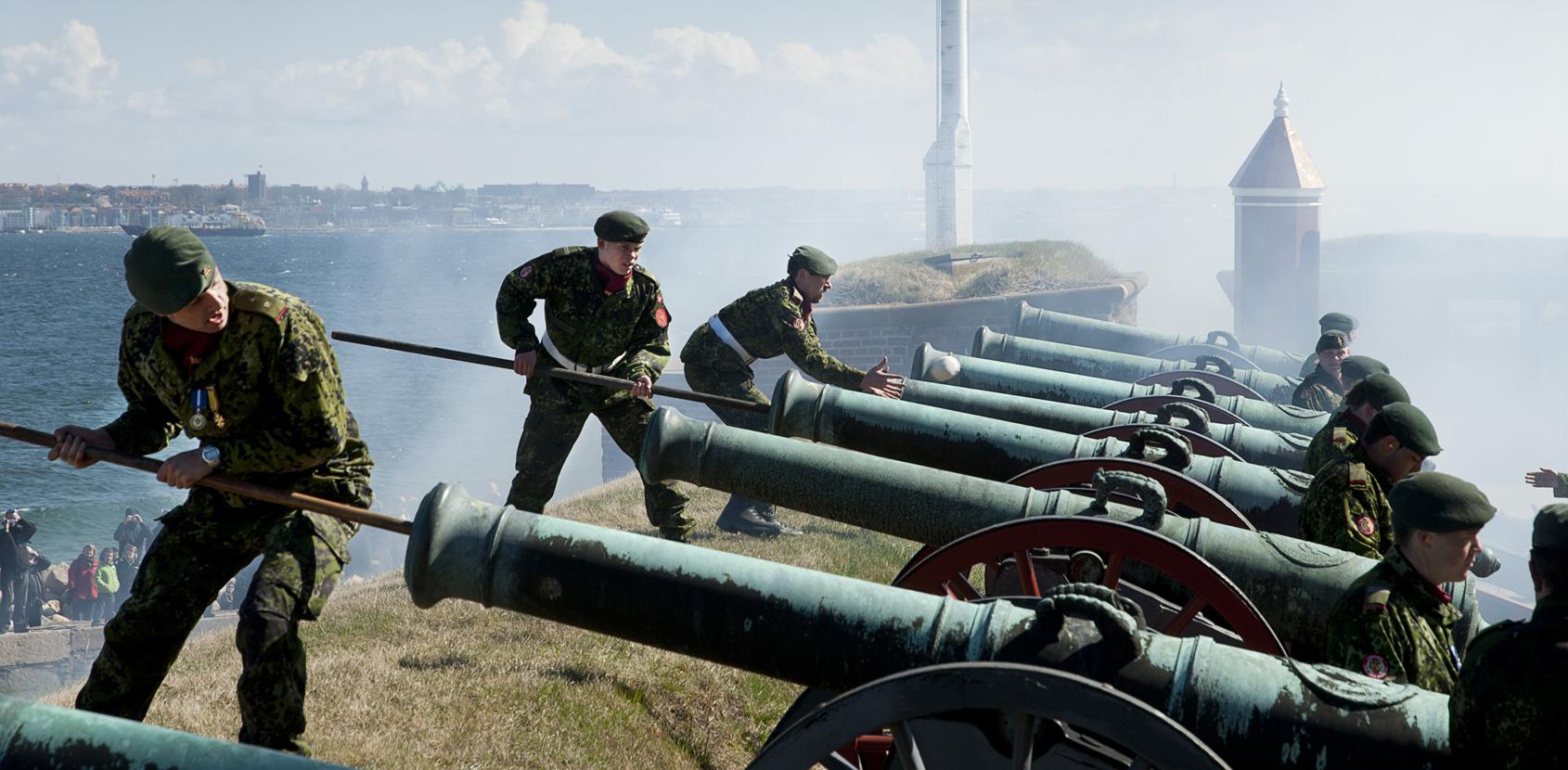 Kanonerne affyres på Kronborg. Foto: Thomas Rahbek SLKS