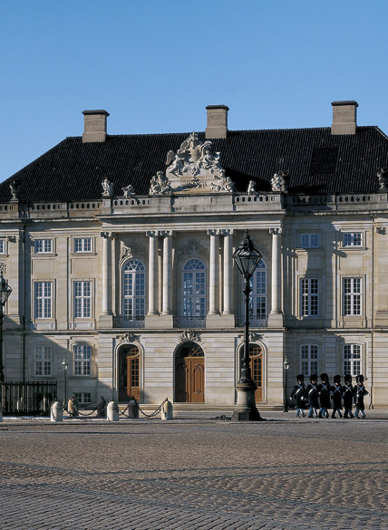 Amalienborg Palace photo Roberto Fortuna