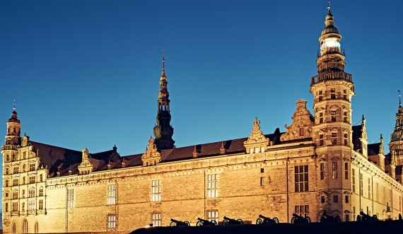 Kronborg by night photo Peter Brinck
